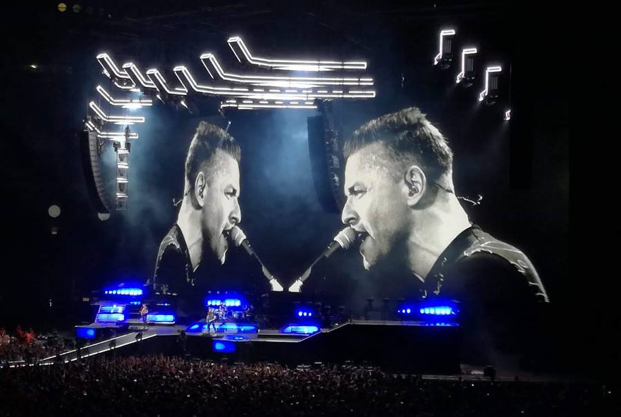 Muse immensi a Milano: la performance strepitosa li incorona a San Siro - VIDEO
